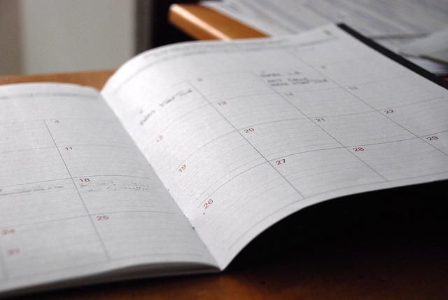 手帳に自分の目標を大きく書いて、常に未来に目をむけてみよう!
