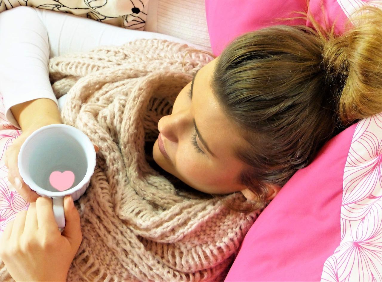 妊娠中に風邪をひいてしまった!私がやった対処方法 寝ている女性の画像