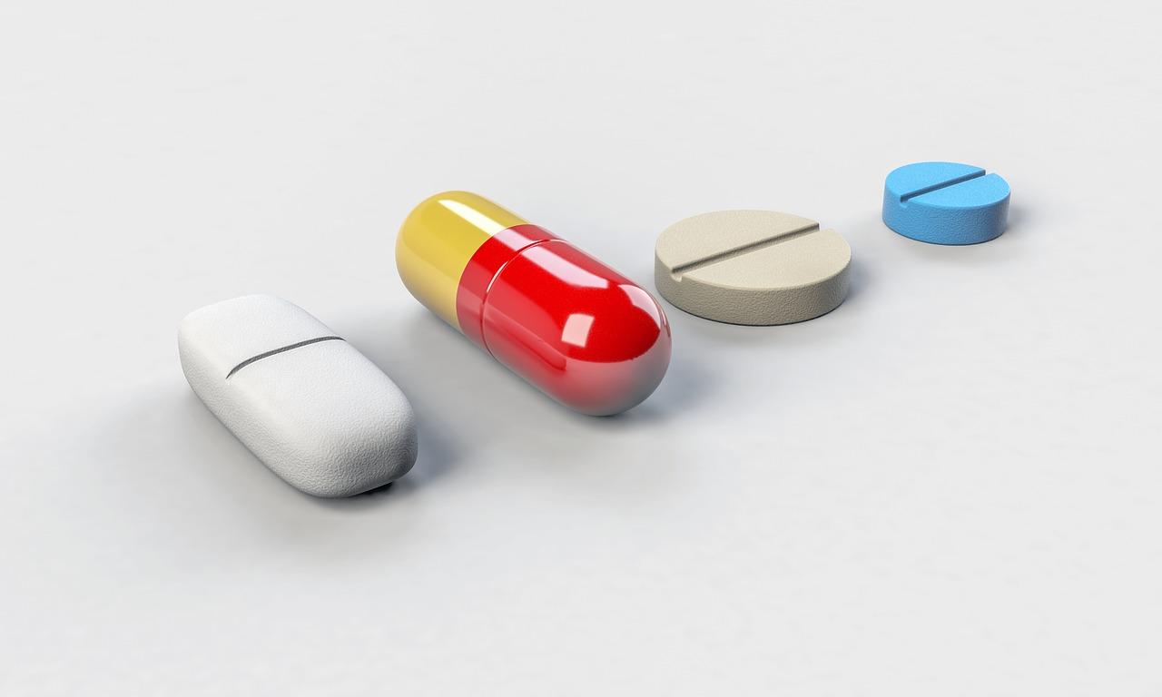 働くママにおすすめの資格 調剤薬局事務 薬の画像