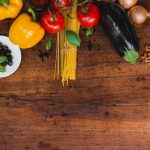 食材を色々と切り分け、適度な大きさを見極める